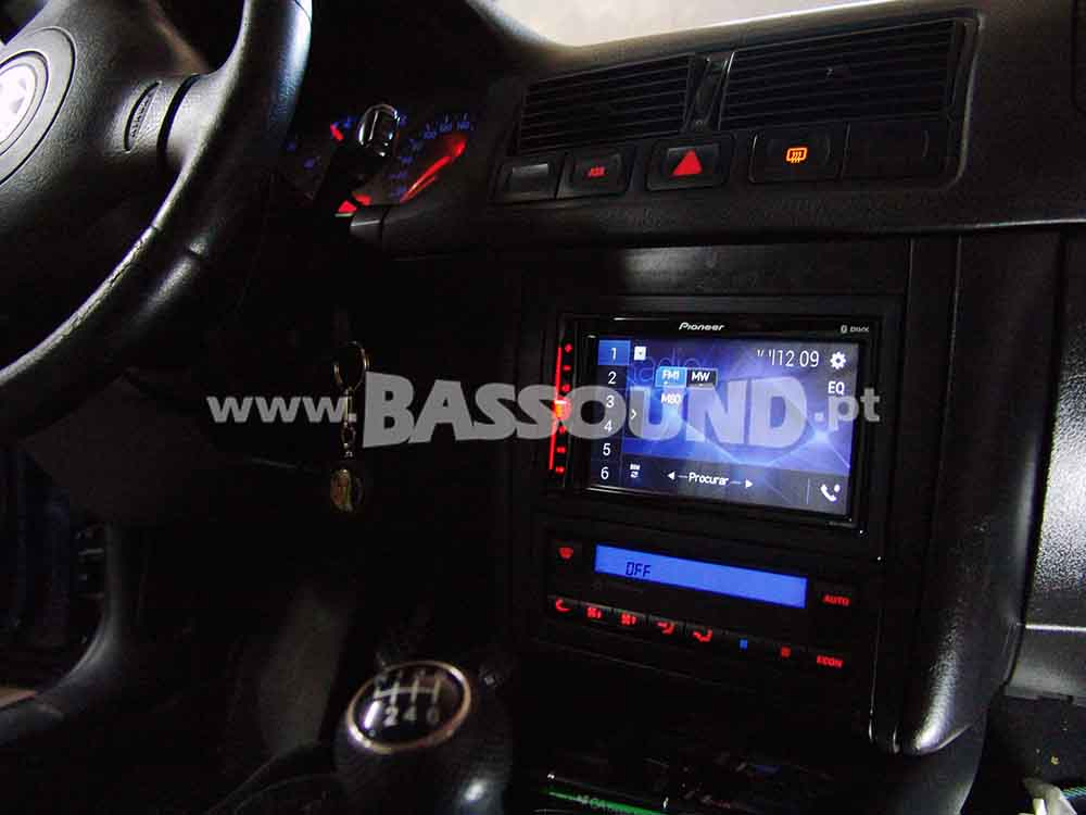 bassound-volkswagen-golf-4-2000-8
